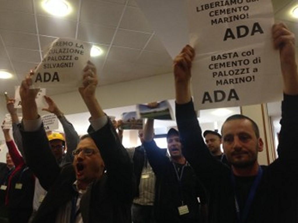 """PISANA, PROTESTA DEI CITTADINI DI MARINO: """"NO AL CEMENTO"""" - FOTO 5"""